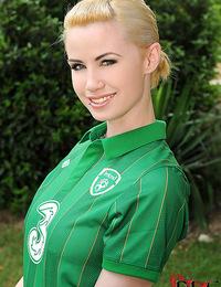 Irish beauty Shannon Reid playing football in the nude